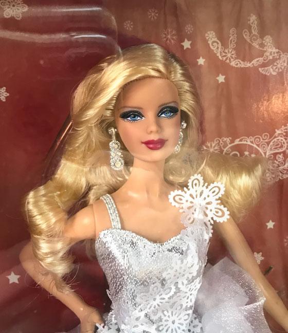 http://www.magmaheritage.com/Barbiefolder/2013holidaybarbie2.jpg