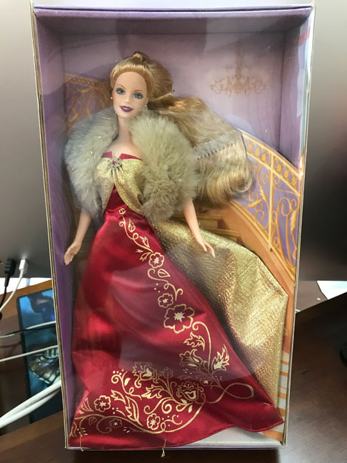 http://www.magmaheritage.com/Barbiefolder/glamorousgala1.jpg