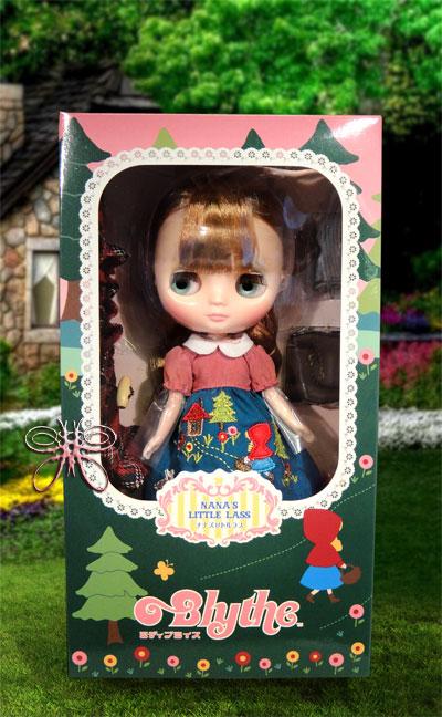 http://www.magmaheritage.com/Blythe/Nanaslittlelass/nanaslittlelassinboxlarge.jpg