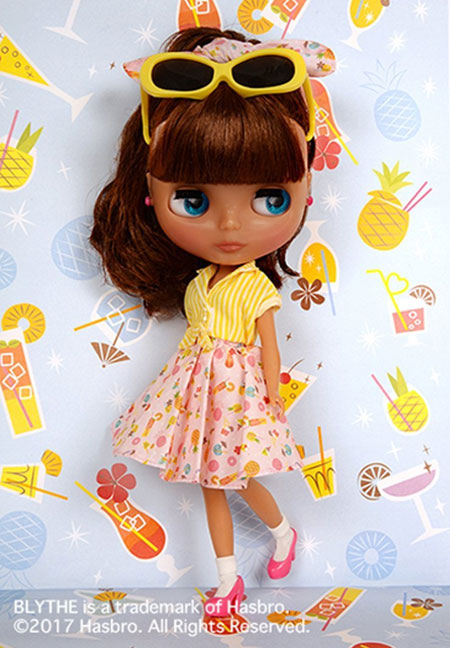 http://www.magmaheritage.com/Blythe/PineapplePrincess/pineappleprincess6.jpg