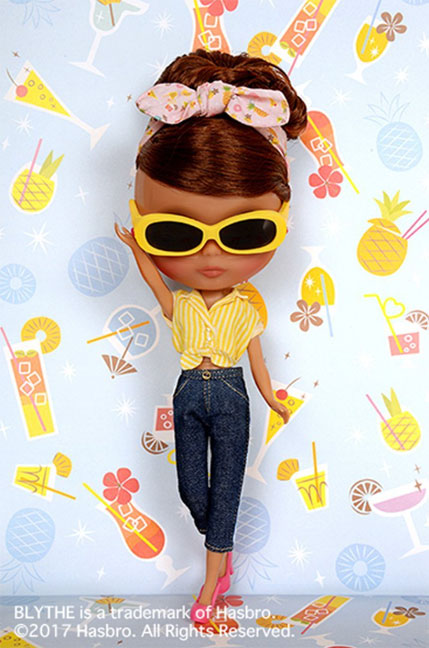 http://www.magmaheritage.com/Blythe/PineapplePrincess/pineappleprincess7.jpg