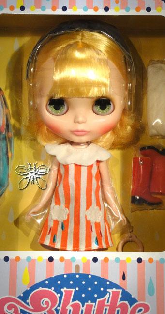 http://www.magmaheritage.com/Blythe/Playful%20Raindrops/playfulraindropsinbox1large.jpg
