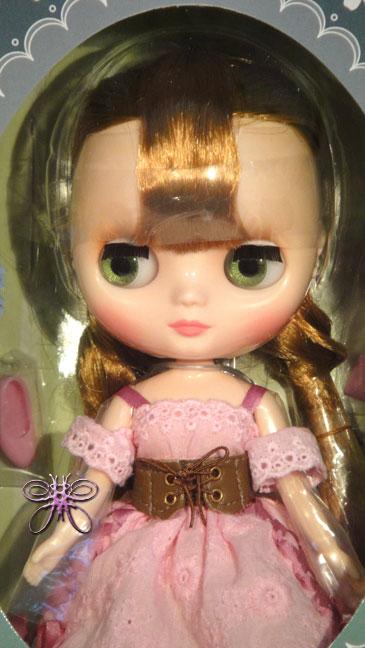 http://www.magmaheritage.com/Blythe/Rampionofthe%20Valley/rampionofthevalleyinbox2large.jpg