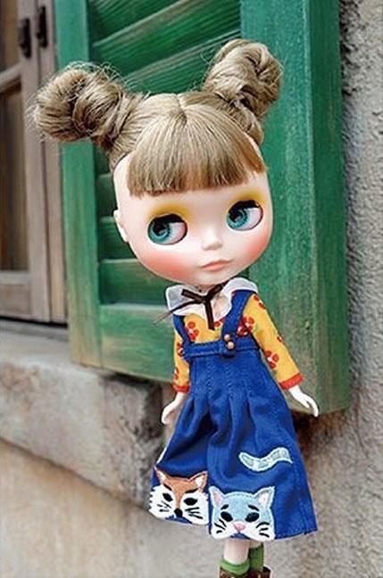 http://www.magmaheritage.com/Blythe/VeraFlorentine/veraflorentine2.jpg