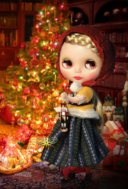 http://www.magmaheritage.com/Blythe/Winterish%20Allure/winterishallure_nutcrackerlarge.jpg