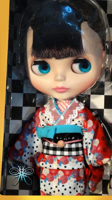 http://www.magmaheritage.com/Blythe/ladycamillia/ladycamelliainbox2large.jpg