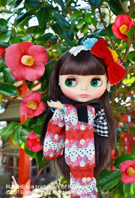 http://www.magmaheritage.com/Blythe/ladycamillia/ladycamillia3.jpg