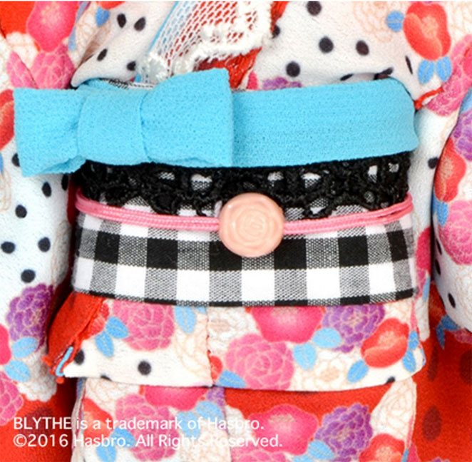 http://www.magmaheritage.com/Blythe/ladycamillia/ladycamillia8.jpg